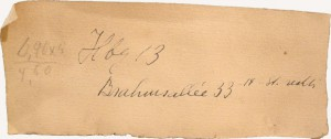 """handschriftliche Notiz der Künstlerin: """"Hbg 13 Brahmsallee 33, 14. St - rechts"""""""